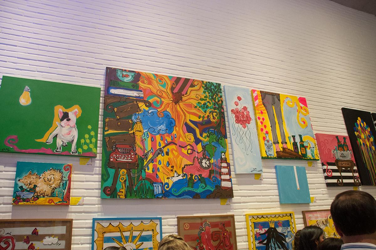 Conheça o estilo despojado das pinturas da cearense Joana Salle