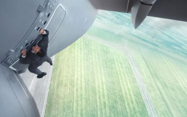 """Quinto """"Missão: Impossível"""" é o melhor da franquia com trama inteligente e ação grandiosa"""