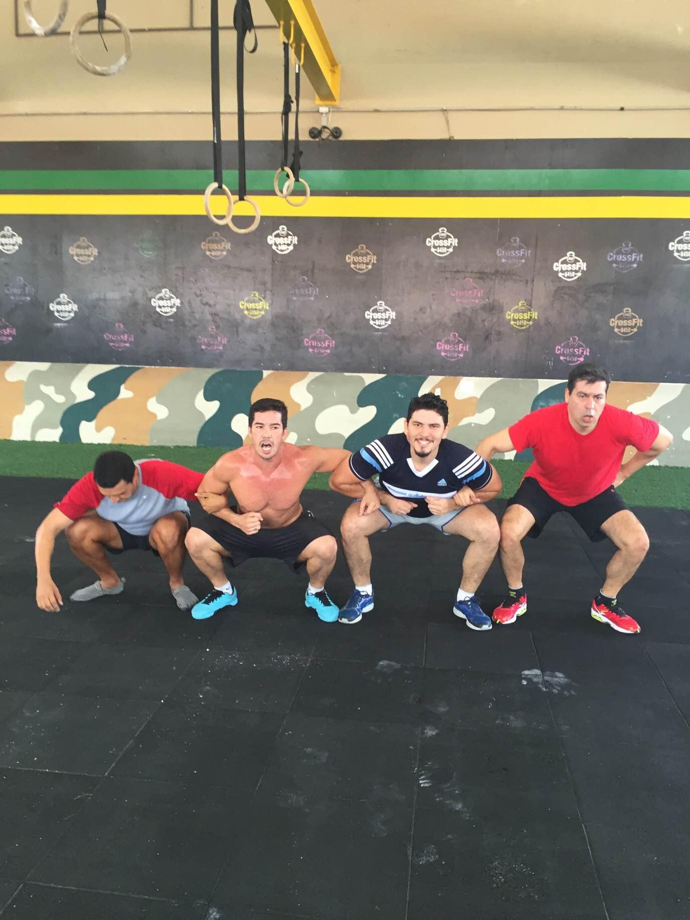 A modalidade é uma compilação de séries envolvendo agachamentos, saltos, flexões, movimentos em barras e argolas e, também, levantamento de peso. (FOTO: Juliana Teófilo/Tribuna do Ceará)