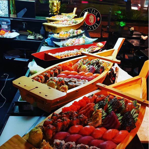 Mauro é sushiman do Buda Sushi, do Rio