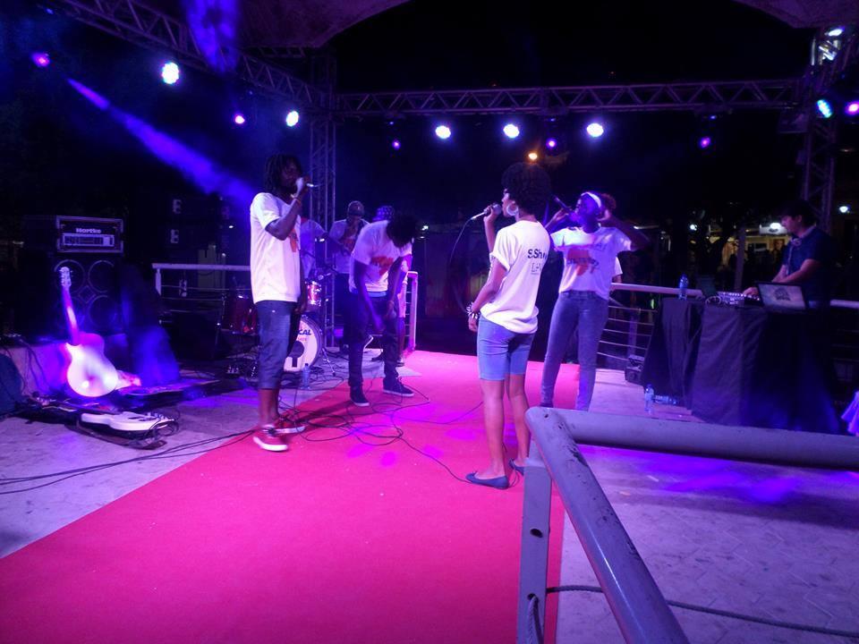 Universitários africanos de Redenção se unem em grupo de hip-hop