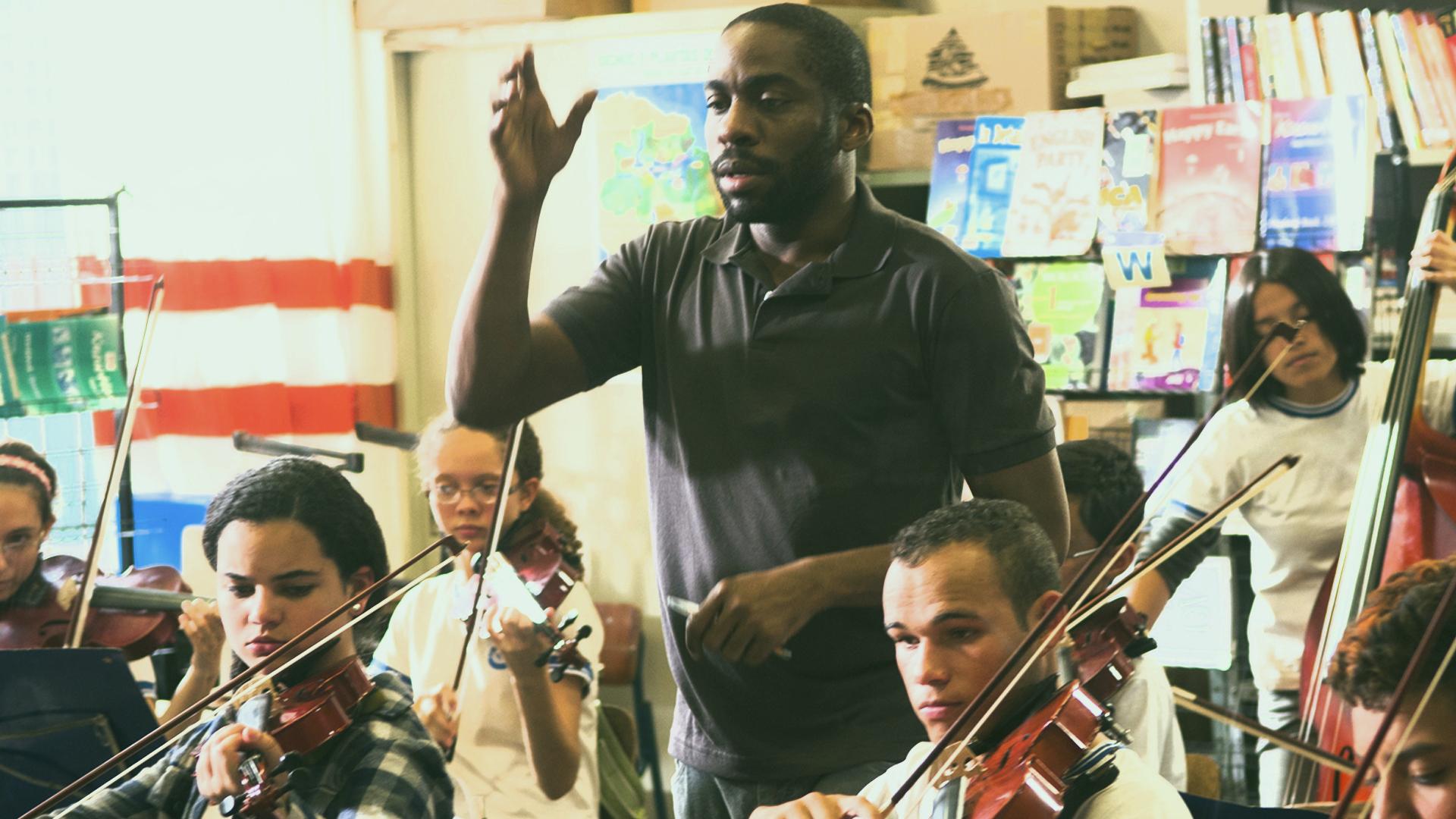 """""""Tudo que Aprendemos Juntos"""" é baseado em fatos reais e faz do professor um aluno da vida"""