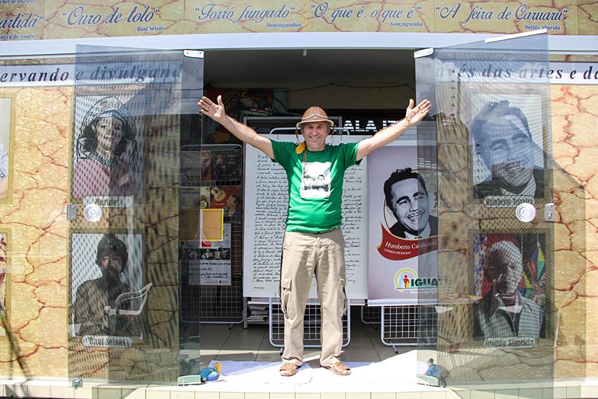 Cearense coleciona mais de 600 peças de Luiz Gonzaga em memorial