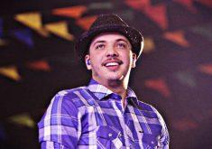 Vídeo do cantor está sendo amplamente compartilhado nas redes sociais. (FOTO: Prefeitura de Caruaru)