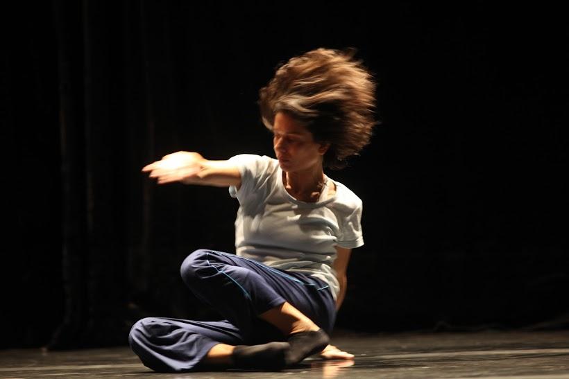 Bailarina cearense faz turnê em cidades do Nordeste e do Sul do país