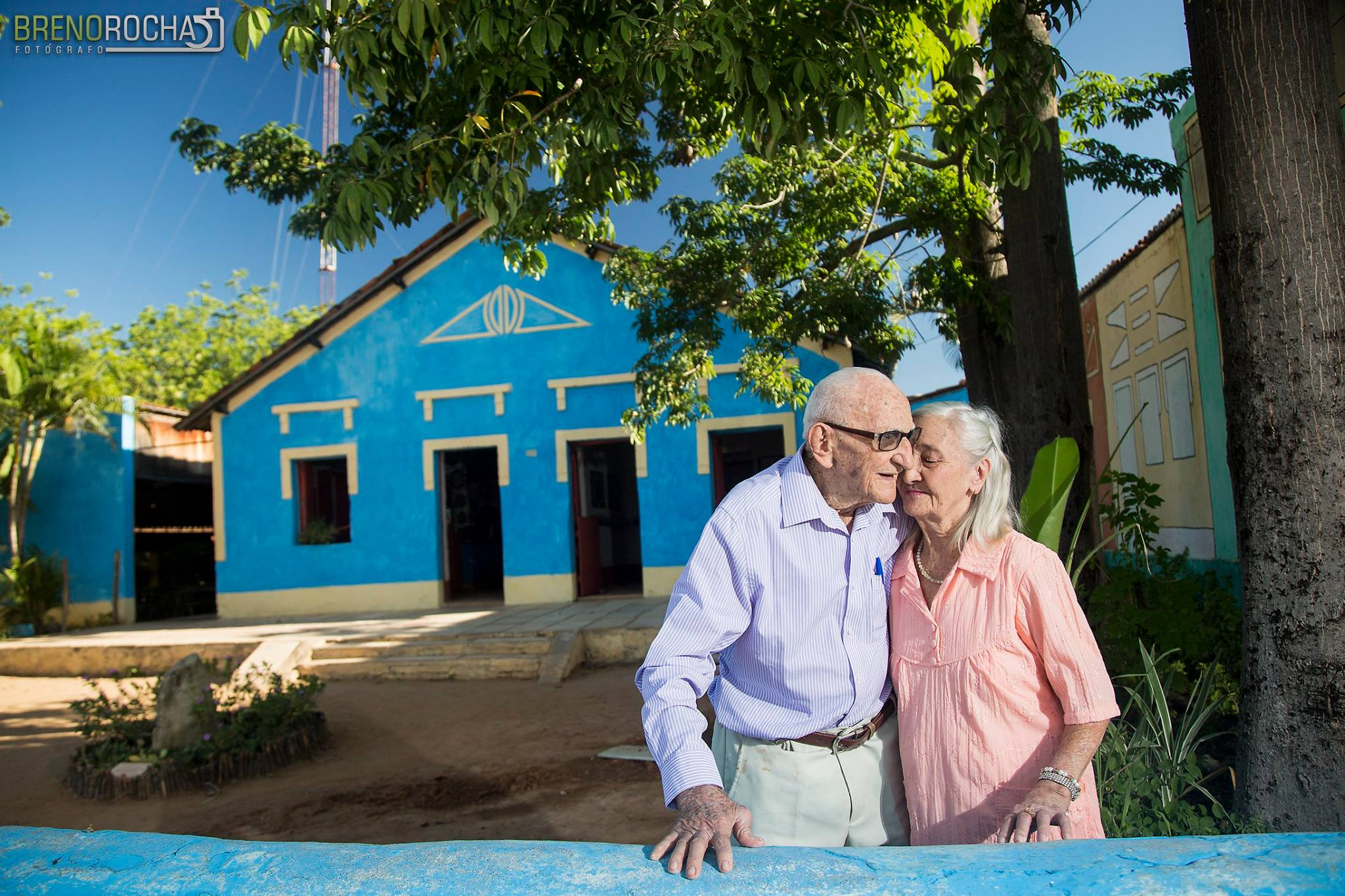 Casal de velhinhos cearenses estrela ensaio inspirador no Dia dos Avós