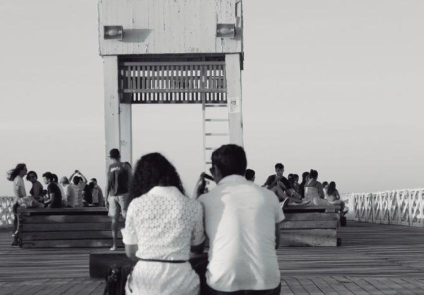 Fotografias que registram cenas de gentileza em Fortaleza estão em exposição
