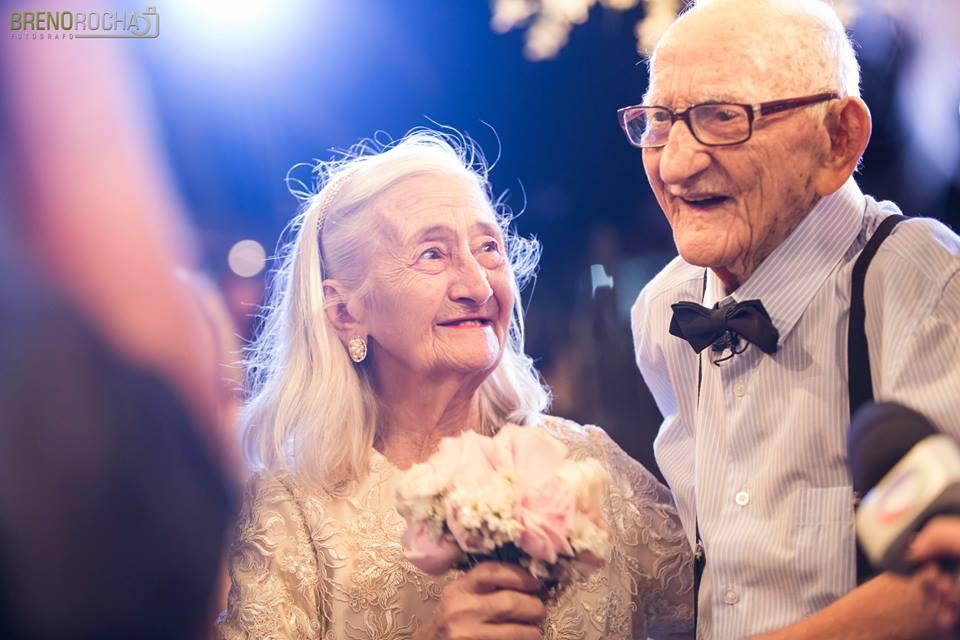 Casal de velhinhos de Nova Olinda estrela novo ensaio, agora em festa de Bodas de Platina