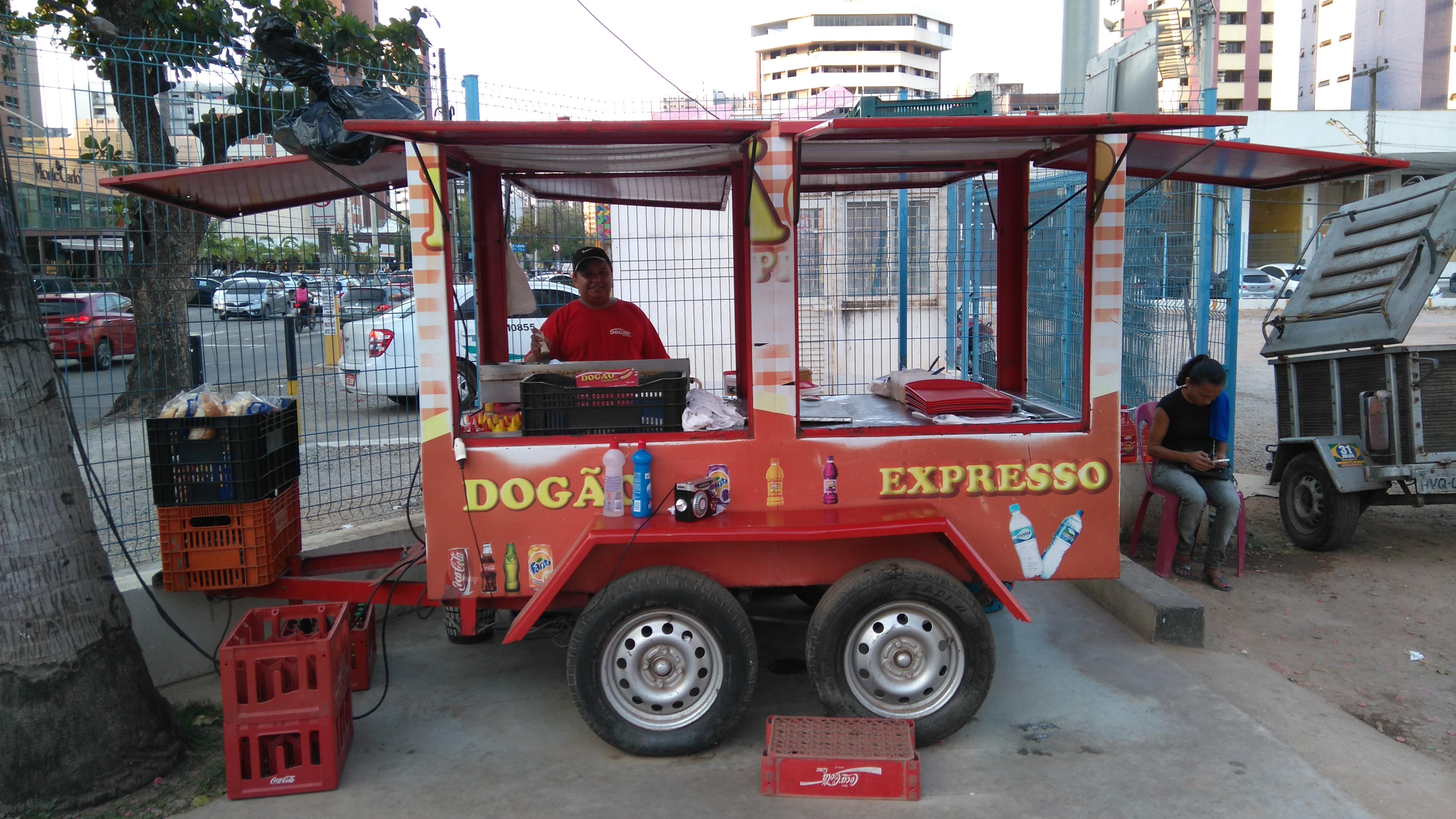 6 carrinhos de cachorro-quente que já faziam sucesso muito antes dos foodtrucks