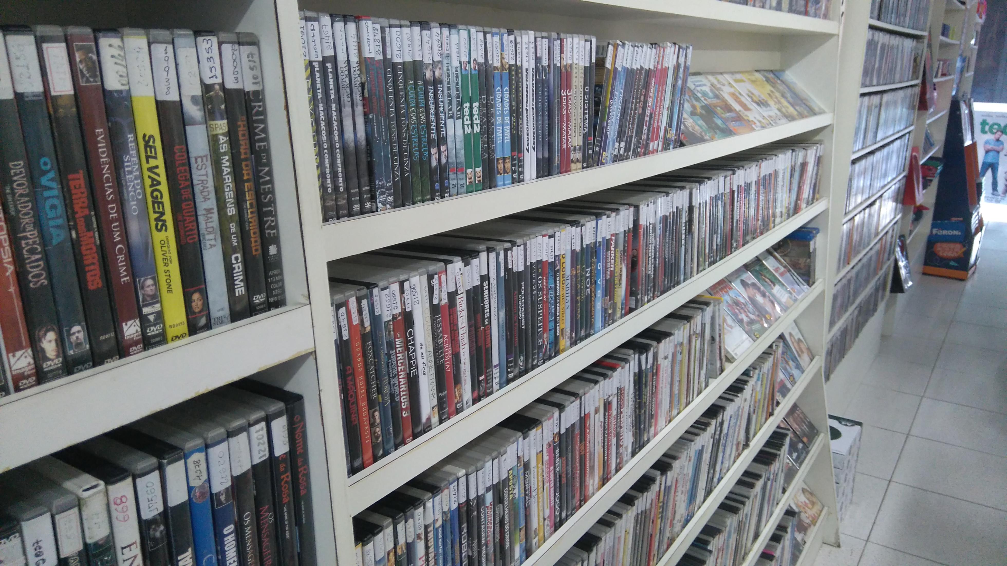 Videolocadoras de Fortaleza resistem ao avanço de streaming e payperview