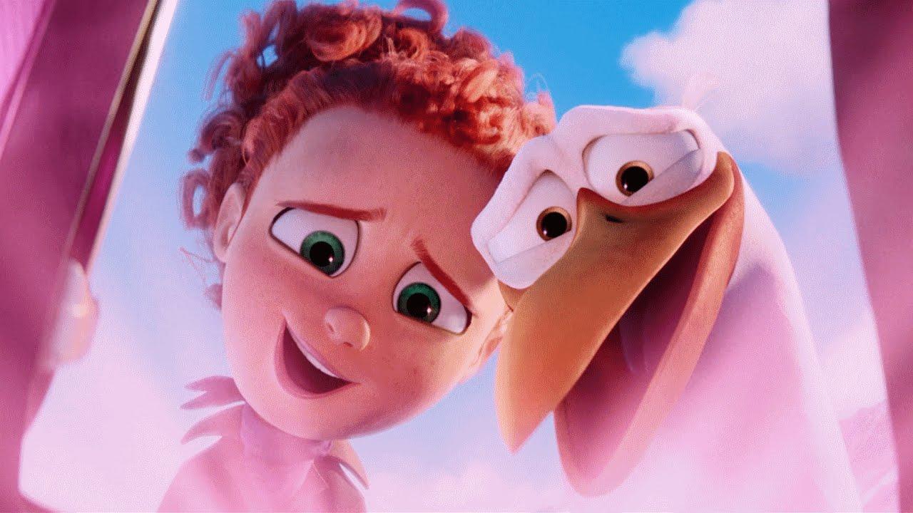 Crianças carentes são levadas a cinema para assistir a filmes gratuitamente