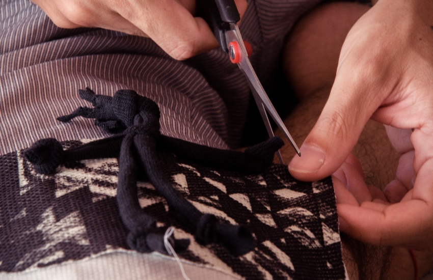 Oficina gratuita ensina fabricação de bonecas de pano afro em Fortaleza