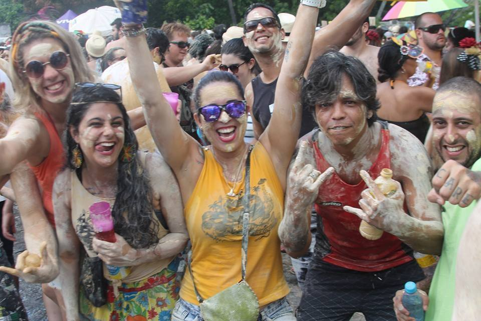 """Bloco promete sujar todo mundo de """"lama"""" no Carnaval de Fortaleza"""