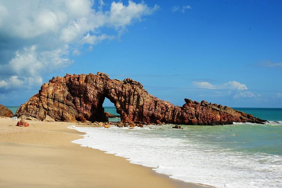 Praia de Jericoacoara passa a cobrar taxa diária para entrada de turistas