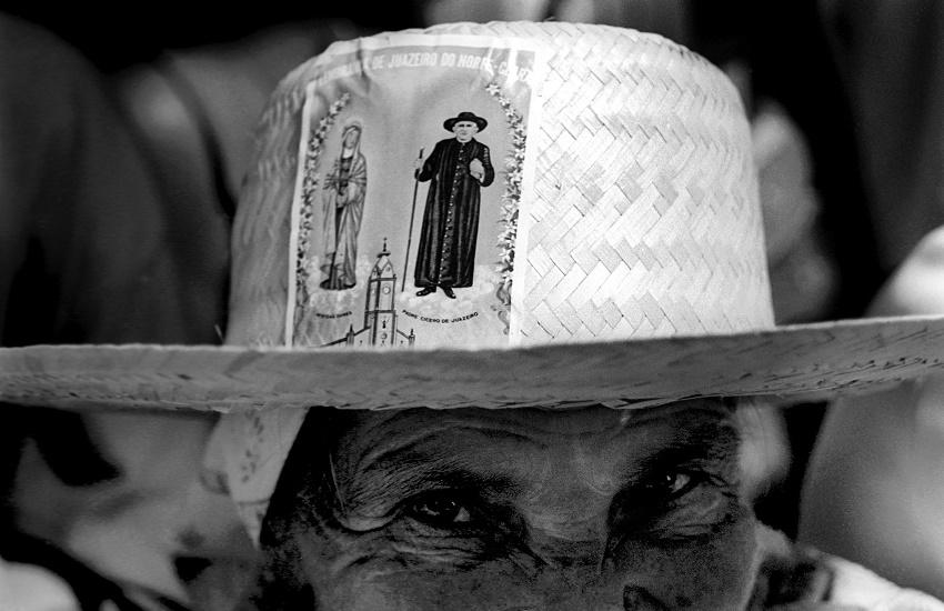 Fotos de romarias em Juazeiro do Norte ganham exposição em Barcelona