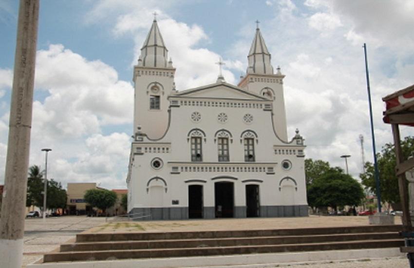Faça um passeio pelas atrações de Quixeramobim, a terra do líder de Canudos