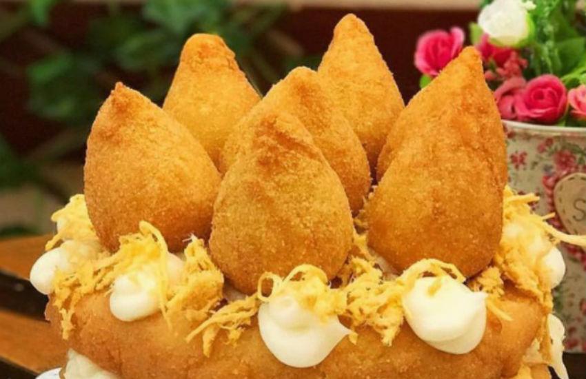 """Na onda de comidas """"exóticas"""", loja de Fortaleza possui bolo de coxinhas"""