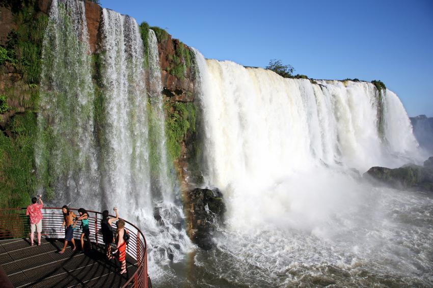 Pesquisa aponta que Foz do Iguaçu está entre os 30 destinos que merecem ser visitados no mundo
