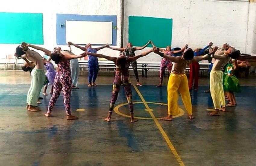 Companhia de dança traz oportunidades às crianças e adolescentes do Quintino Cunha