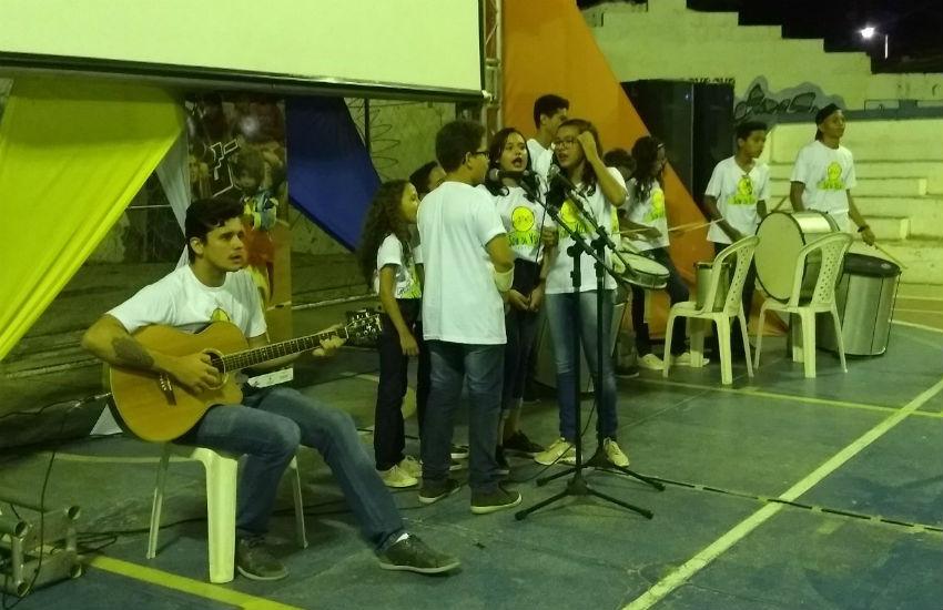 Curta Canoa promove integração cultural de moradores locais em evento