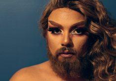 A barba da Mulher Barbada é inspirada em personagem de reality show norte-americano de drag queens. (Foto: Paulo Sena / Especial para Tribuna do Ceará)