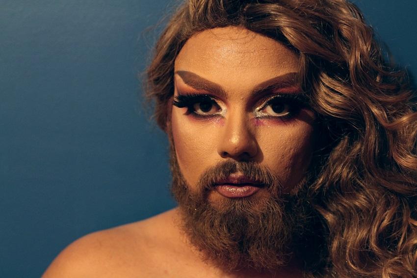 Guarde o nome da Mulher Barbada, a drag queen promessa musical do Ceará