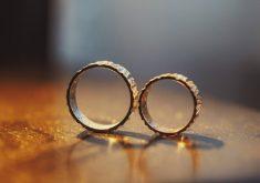 Alianças em referência ao aplicativo de casamentos desenvolvido por cearenses
