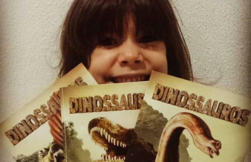 Menina de 6 anos lança canal no Youtube para falar de dinossauros, sua grande paixão