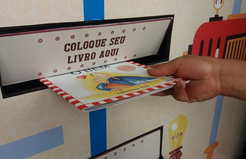 Máquina que troca livros já lidos por novos chega a Fortaleza em maio