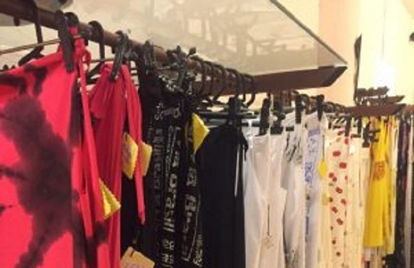 Aprenda dicas de como organizar o guarda-roupa de modo mais consciente