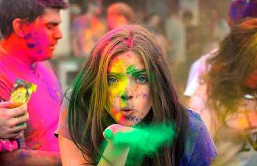 Festival anima férias em Fortaleza com explosão de cores e música eletrônica