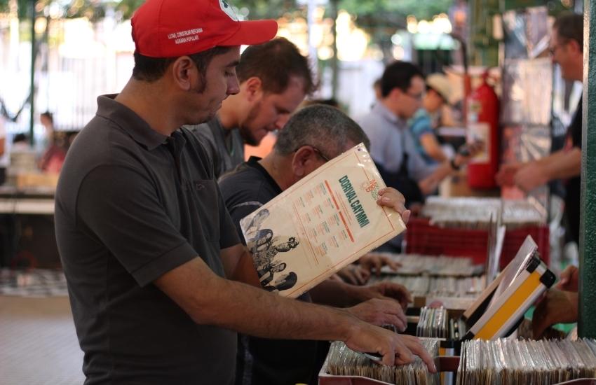 Feira gratuita reúne apreciadores de vinil no Mercado dos Pinhões