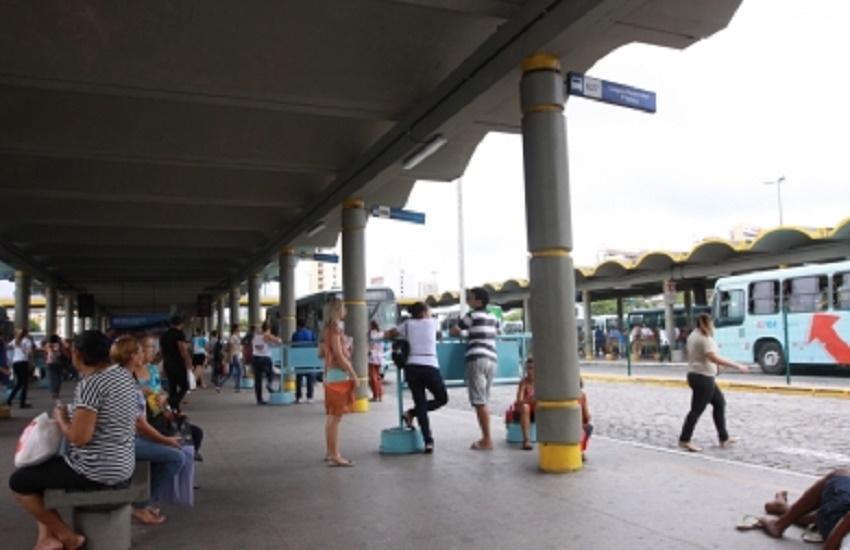 Livros sem uso podem ser doados para projeto das bibliotecas de terminais de ônibus