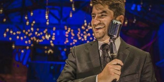Paulo Benevides faz show beneficente no Teatro RioMar