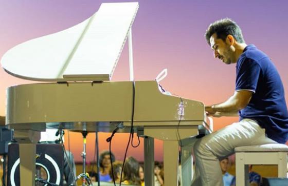 O projeto Pôr do Sol Fortaleza acontece a partir das 17h, no domingo, na Praia de Iracema (FOTO: Reprodução/ Instagram Pôr do Sol Fortaleza)