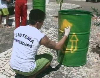 Detentos são capacitados para práticas de reciclagem