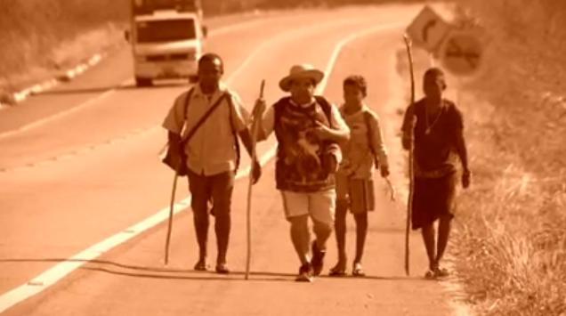 Romeiros a caminho de Canindé.