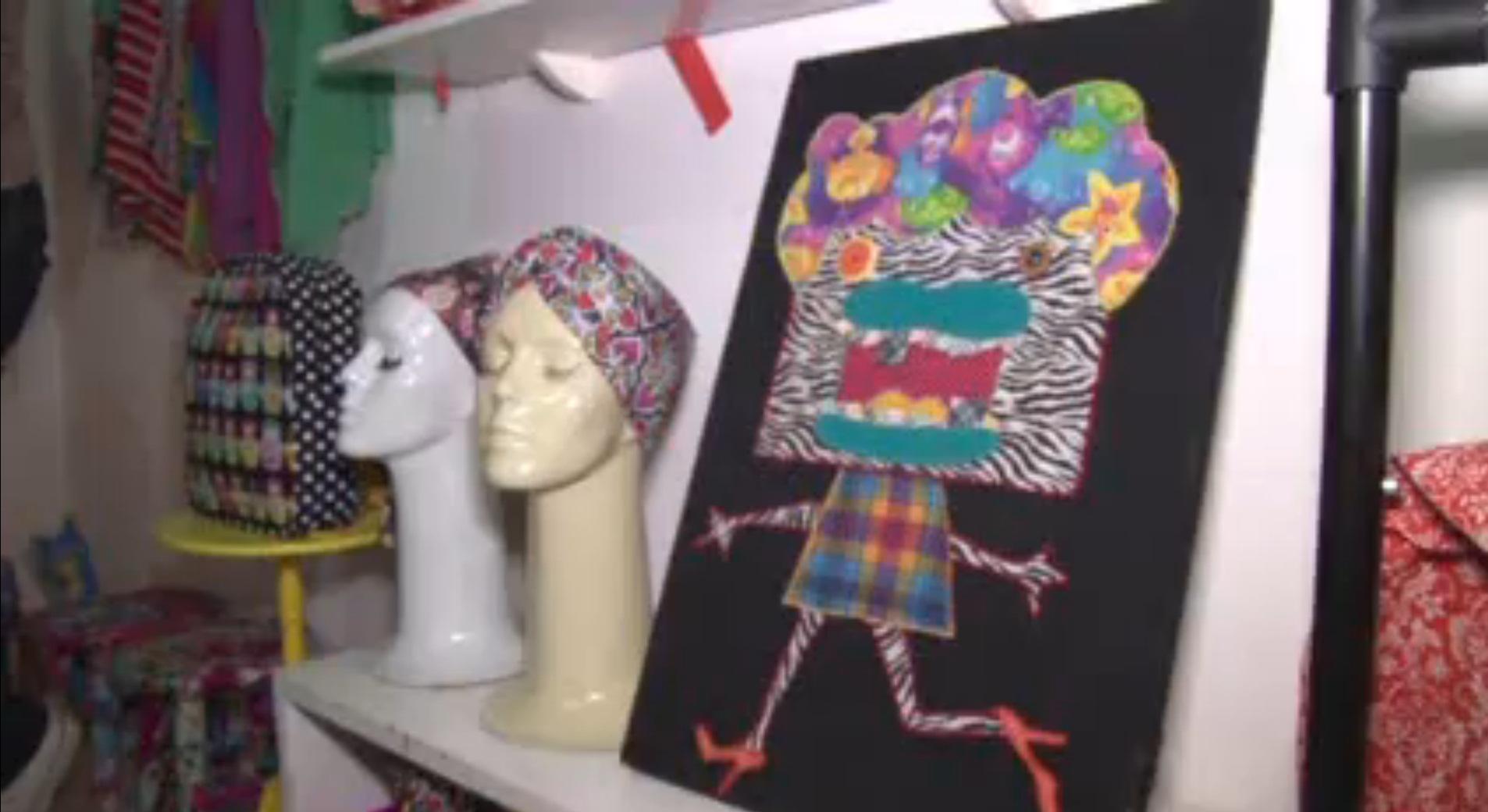 Artista cearense cria acessórios a partir de retalhos de tecidos
