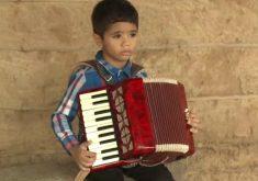 Garoto sempre teve paixão pela música. (FOTO: reprodução/ TV Jangadeiro)