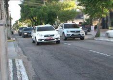 Taxistas estão contra o Uber. (FOTO: reprodução/ NordesTV)