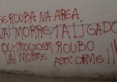 Audácia: criminosos picham suas ordens em muros(FOTO: Reprodução TV Jangadeiro)