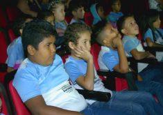 Cinema na escola (FOTO: Reprodução Nordestv)