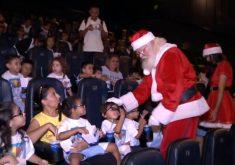 Papai Noel invade sala de cinema (FOTO: Reprodução Nordetv)