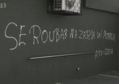 Pichações em muro ameaça assaltantes (FOTO: Reprodução TV Jangadeiro)