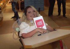 Vitória lança livro de crônica (FOTO: Reprodução TV Jangadeiro)
