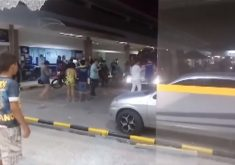 Tiroteio e pânico em frente a supermercado (FOTO: Reprodução TV Jangadeiro)