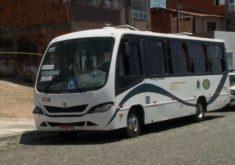 Homem é executado dentro de transporte coletivo (FOTO: Reprodução TV Jangadeiro)