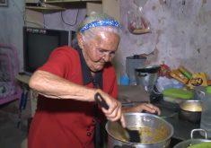 Ela tem 92 anos e um humor maravilhoso (FOTO: Reprodução TV Jangadeiro)