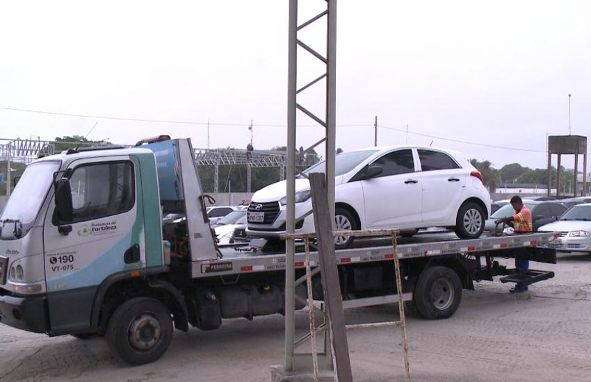 """Mais de 6 mil veículos já foram rebocados na operação """"esquina segura"""" da AMC"""