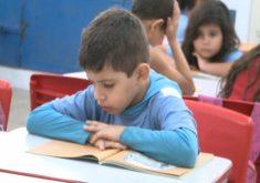 Projetode leitura Abel prazer incentiva as crianças a lerem(FOTO: Reprodução TV Jangadeiro)